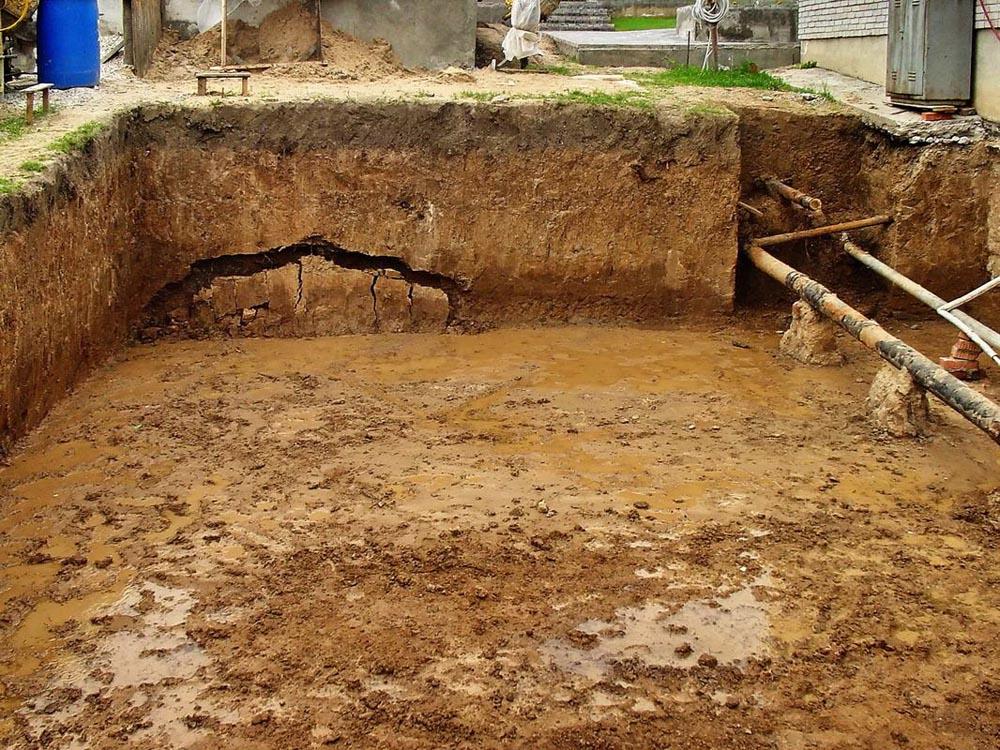 Погреб на болоте